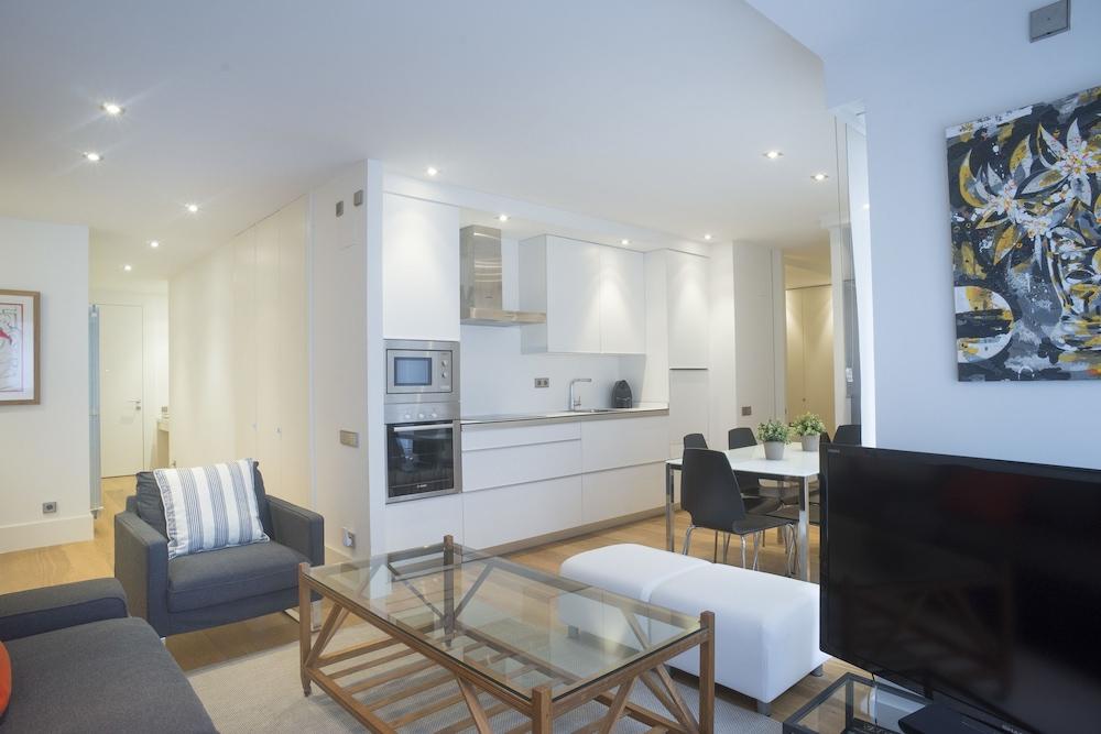 Avenida Suite La Concha Iberorent Apartments