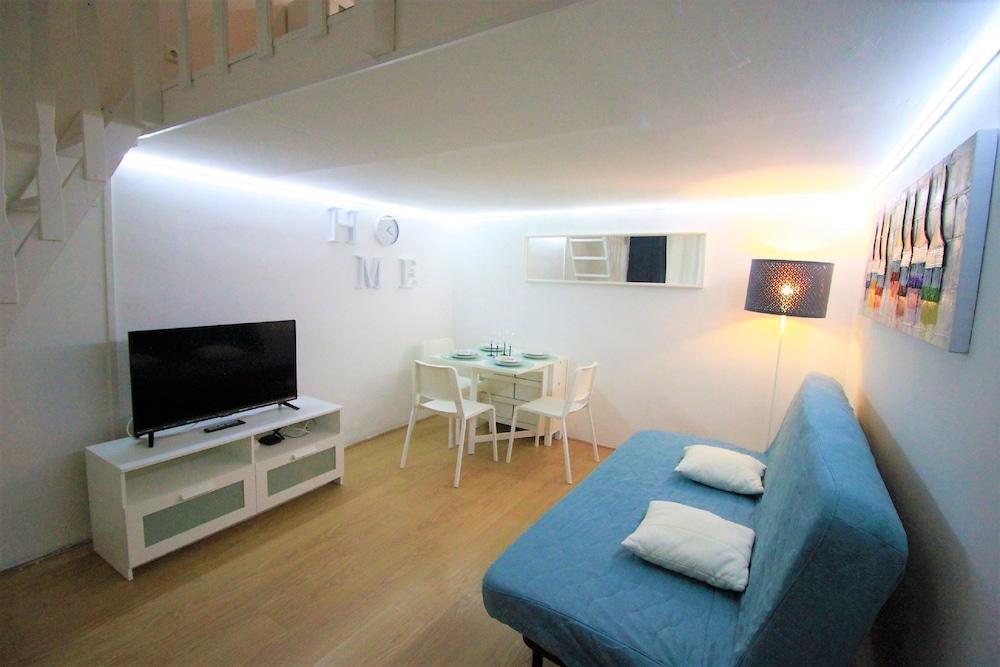 Budapest Easy Flats Opera Apartments