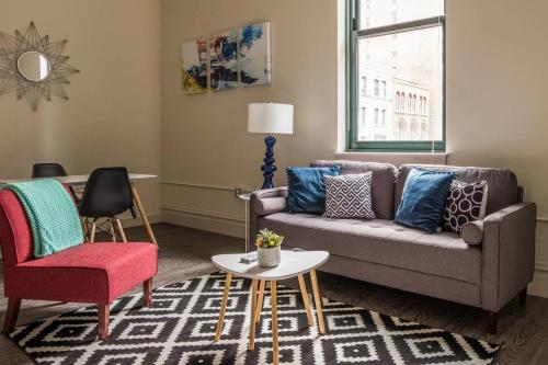 Contemporary 1br Downtown Minutes to Anything