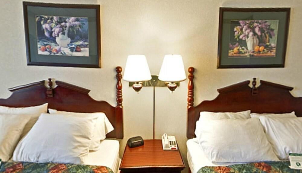 Gallery image of Americas Best Value Inn & Suites Waukegan Gurnee