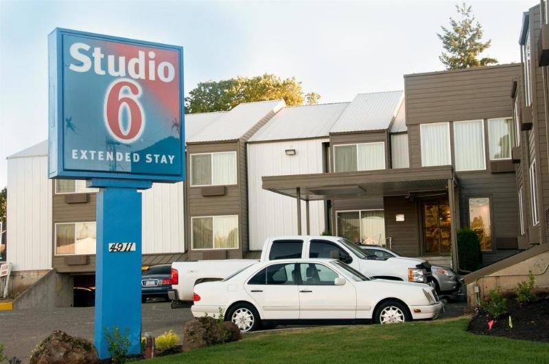 Studio 6 Portland