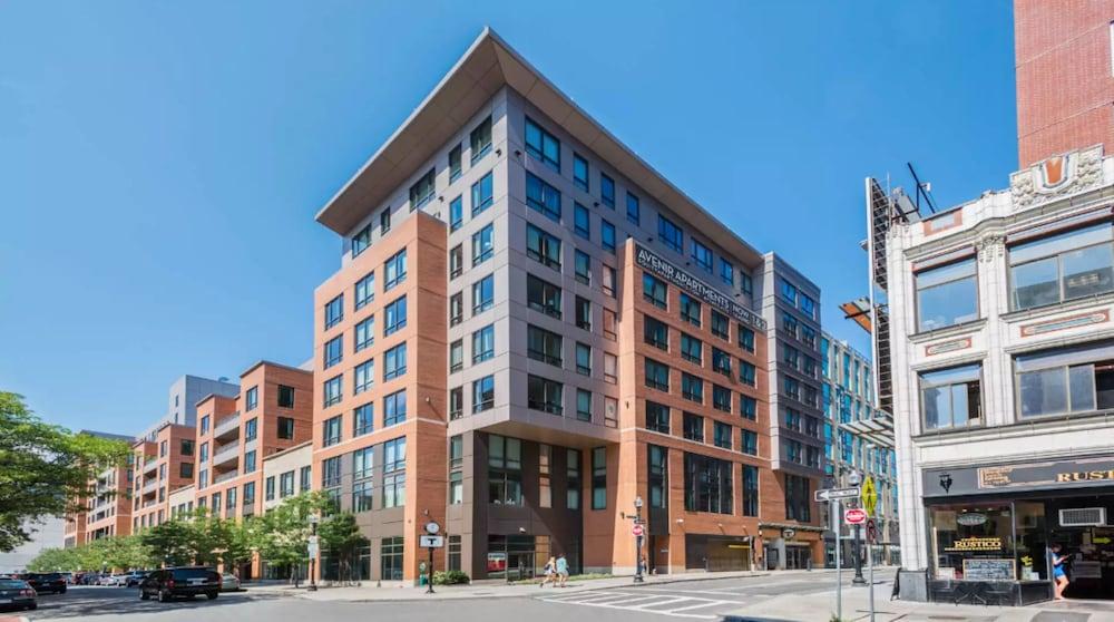 Global Luxury Suites At Boston Garden
