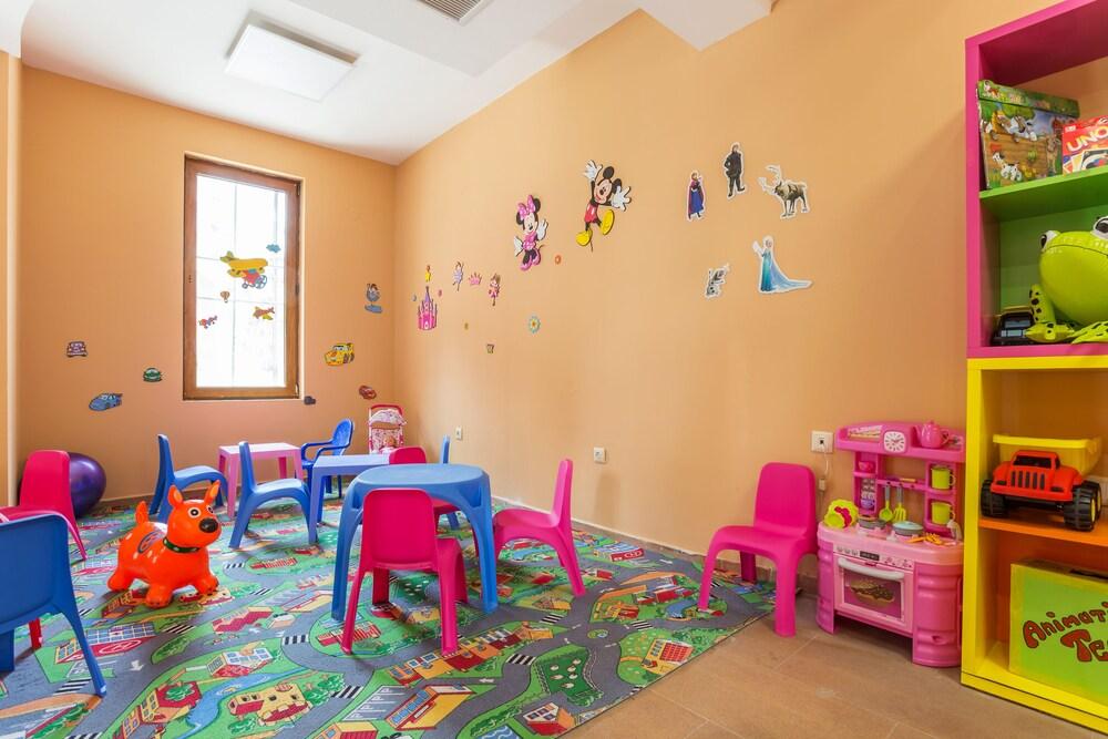 Gallery image of Festa Via Pontica