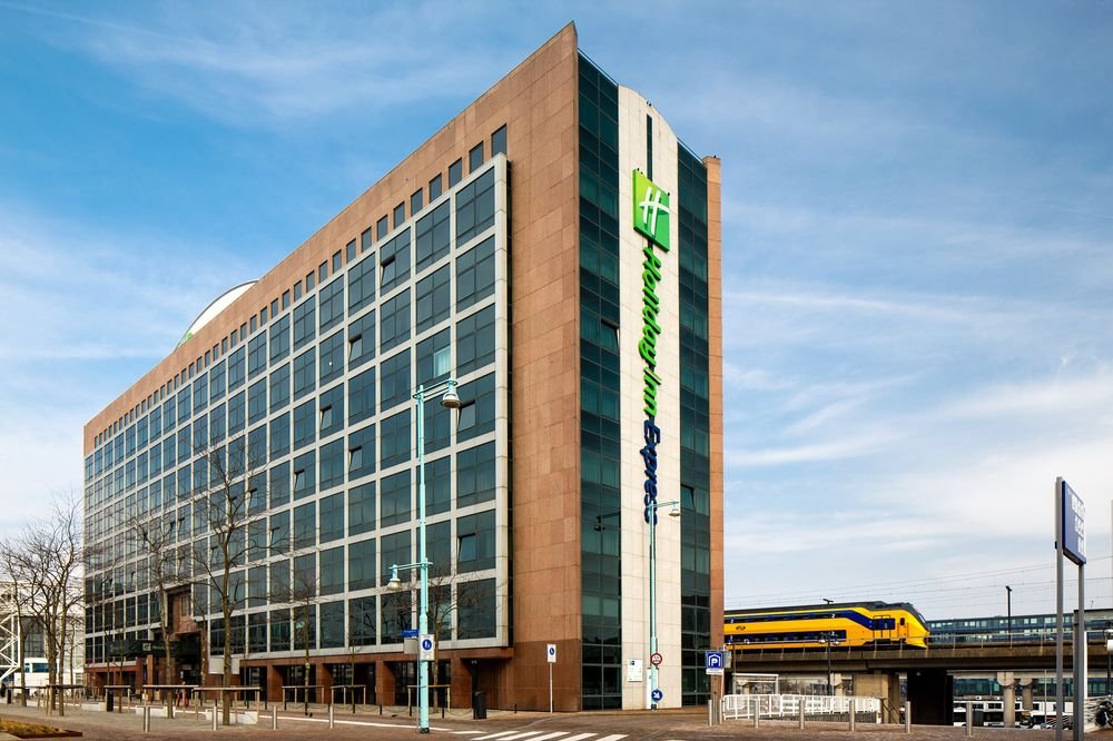 Holiday Inn Express Amsterdam Sloterdijk Station