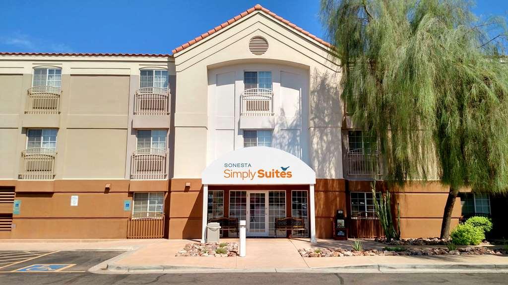 Gallery image of Sonesta Simply Suites Phoenix Tempe