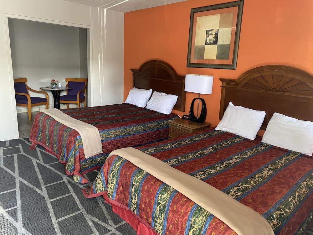 Motel 8 Plus