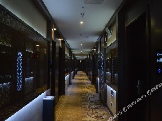 Gallery image of A Home Hotel