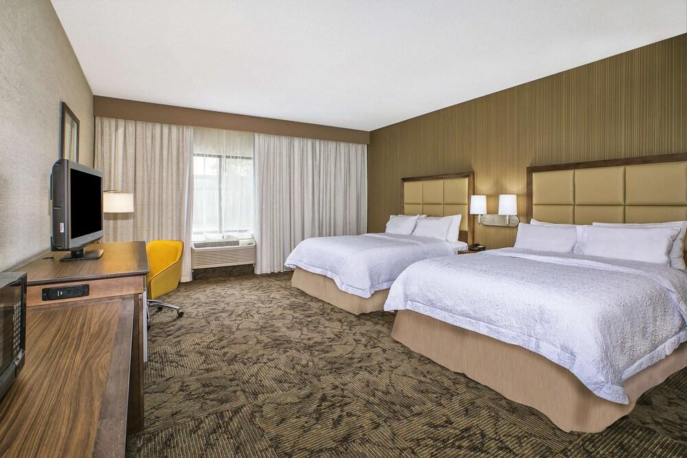Gallery image of Hampton Inn Hotel Detroit Belleville Airport Area