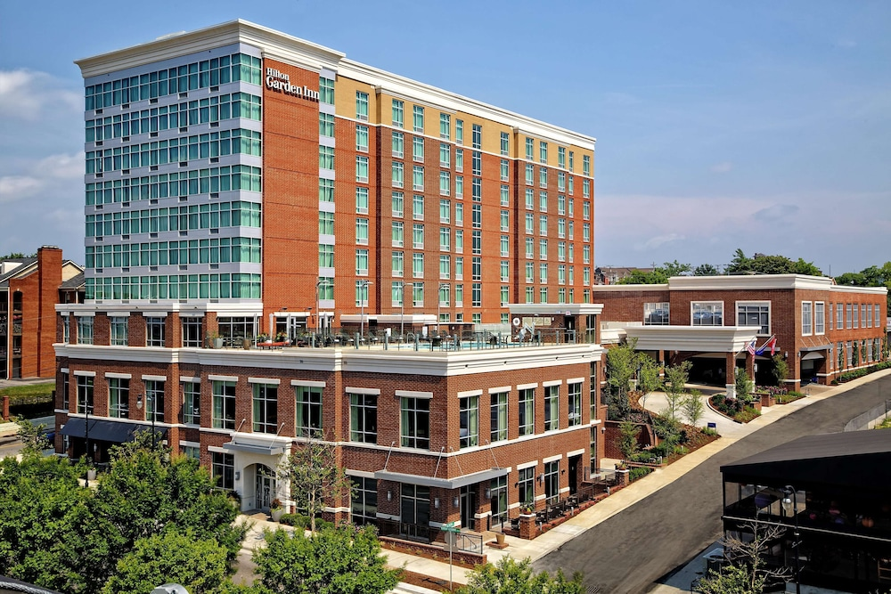 Hilton Garden Inn Nashville Downtown Convention Center