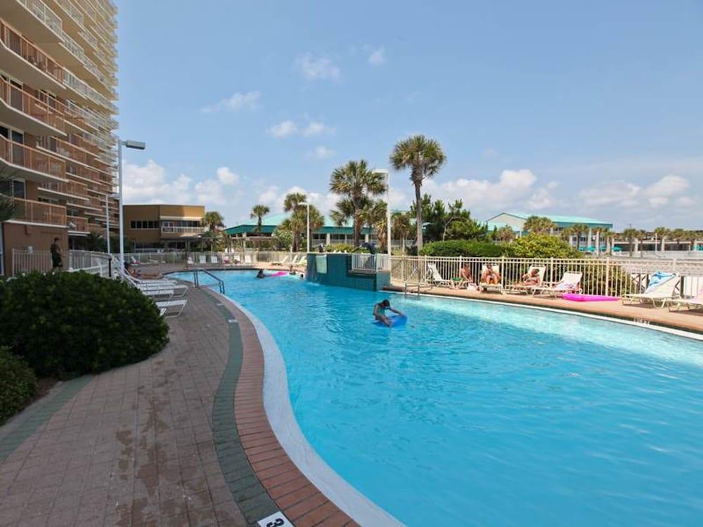 Pelican Beach Resort 0801
