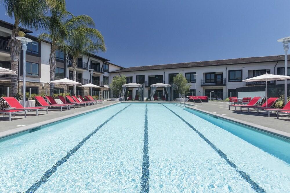 Global Luxury Suites Sunnyvale North