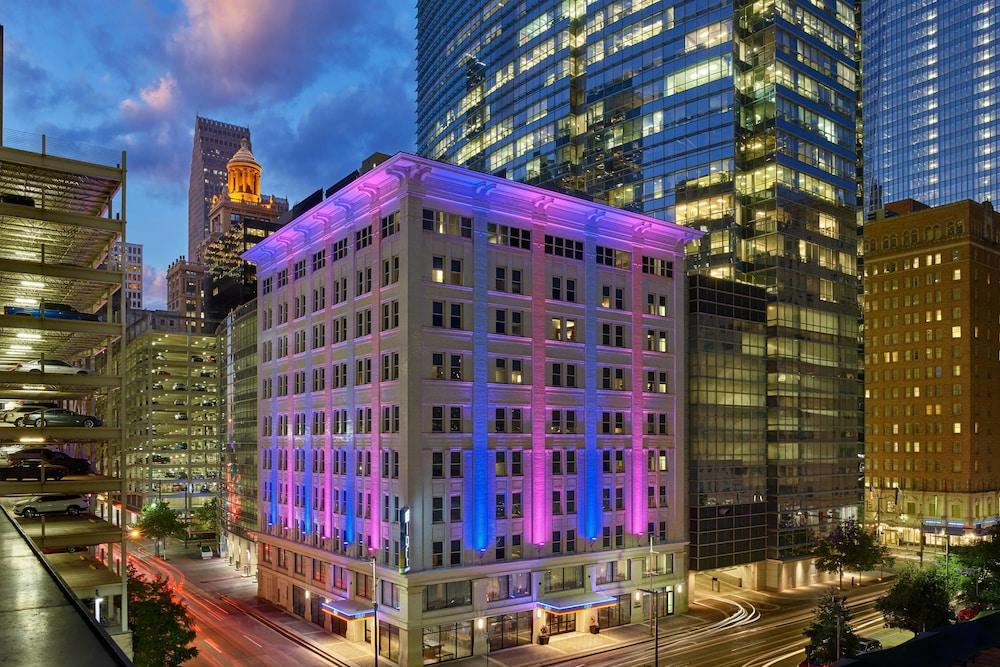 Aloft Houston Downtown