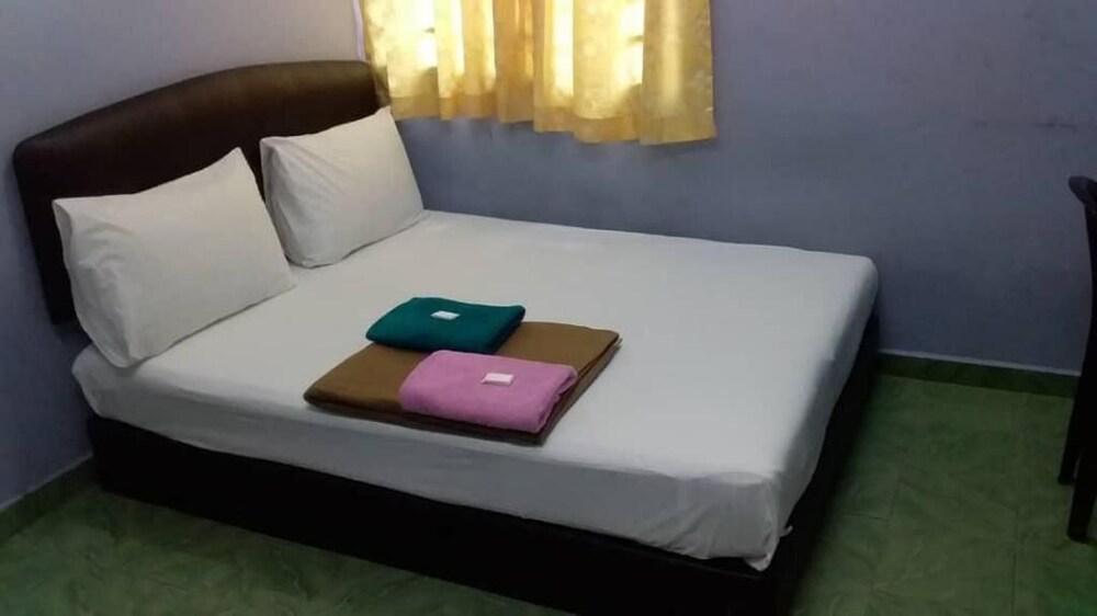 Gallery image of Batu Caves Budget Hotel