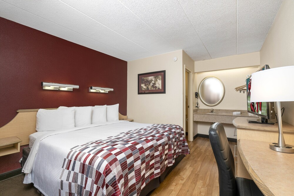 Gallery image of Red Roof Inn Louisville Expo Airport