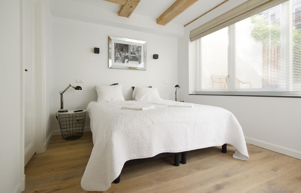 Modern & Luxurious 2 Bedroom Apartment