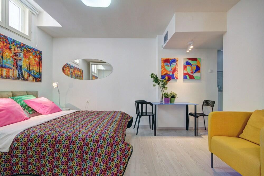 TLV Bauhaus Apartments