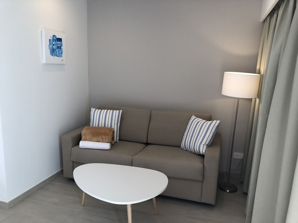 Gallery image of Dunagolf Suites