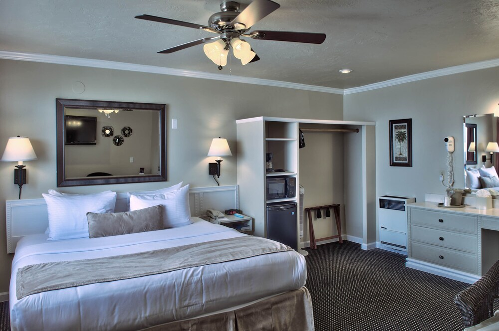 Gallery image of Lovers Point Inn