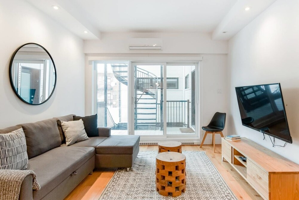 Hip Stylish Apartment in Little Italy