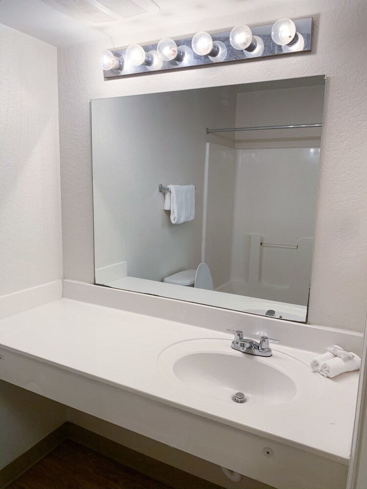 Gallery image of InTown Suites Extended Stay Fort Myers