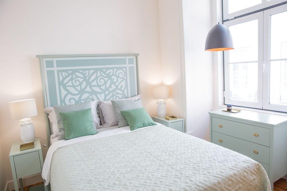 Rent4Rest Lisbon Downtown Designer's Apartment