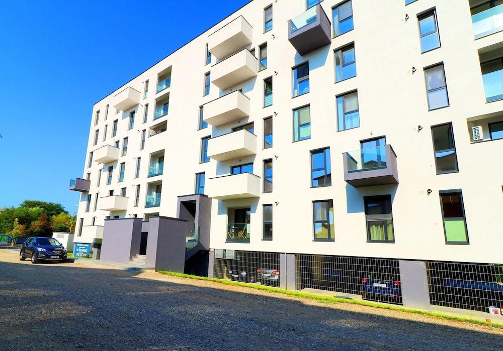 Maia Apartments