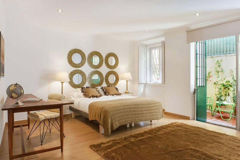 Rossio Lisbon Cheese & Wine Apartments