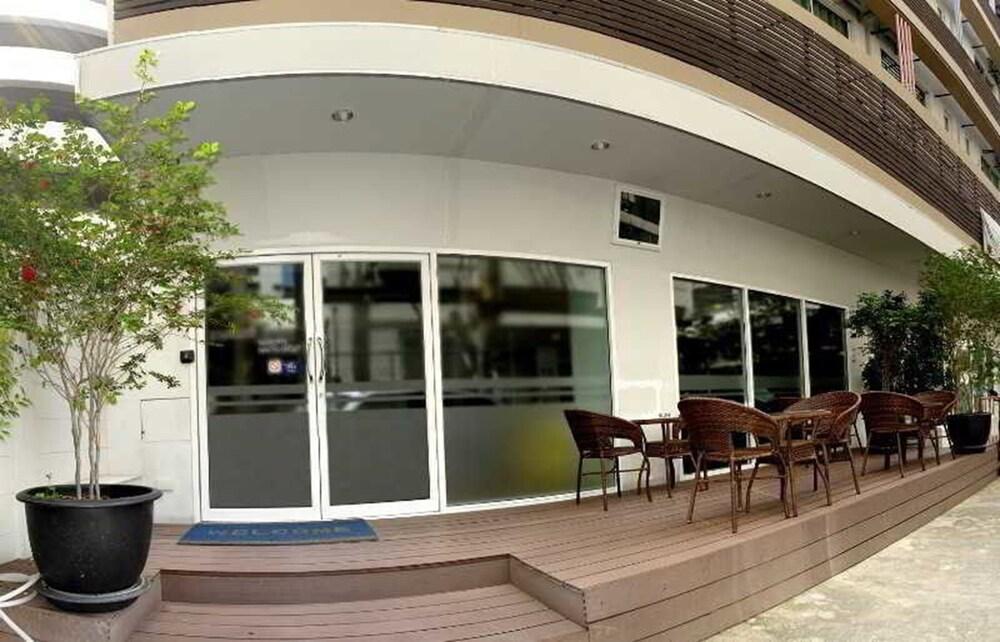 Gallery image of Nantra Silom