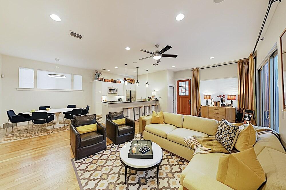 New Listing Bouldin Creek W Rooftop Deck 4 Bedroom Home