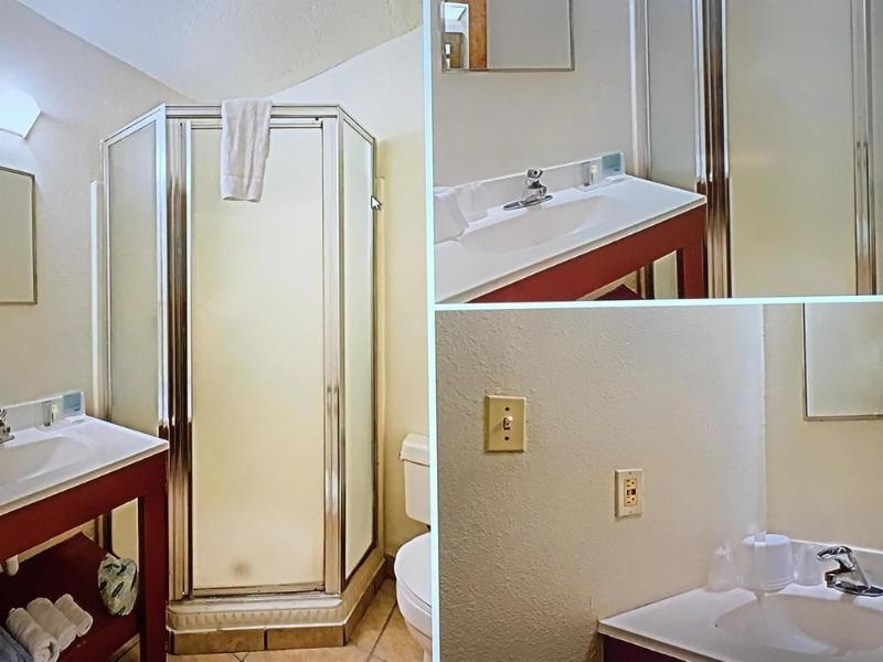 Gallery image of Ambassador Inn Albuquerque
