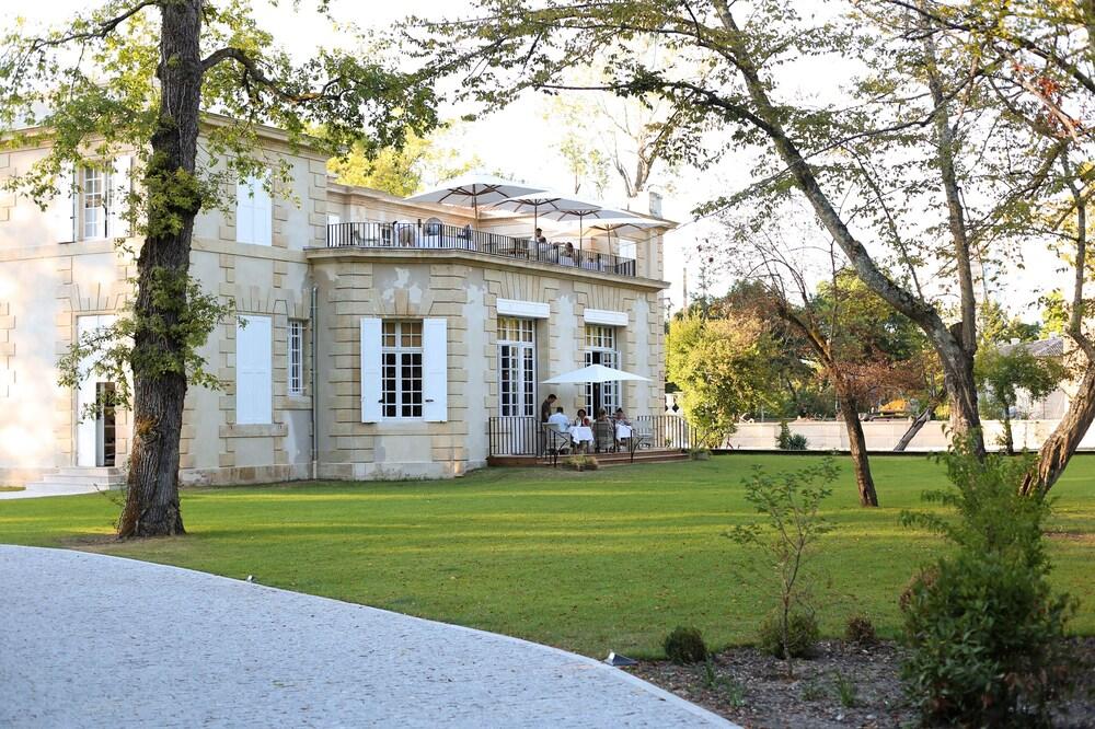 Gallery image of La Reserve Pavillon Du Chateau Raba