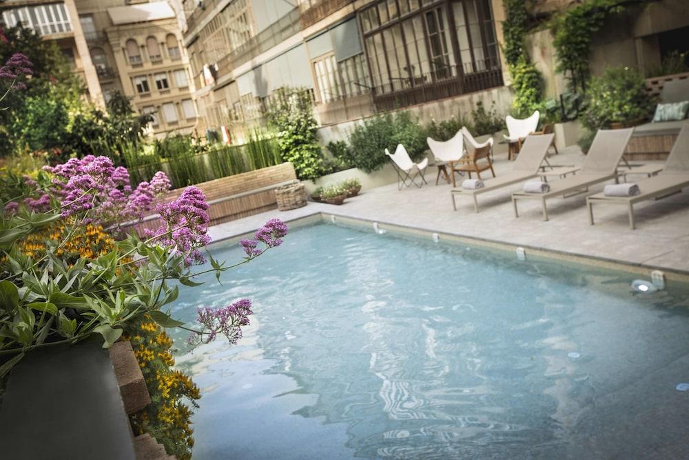 Alexandra Barcelona Hotel Curio Collection by Hilton