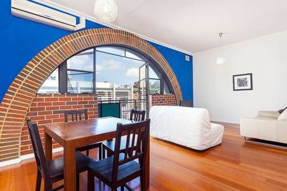 Stylish 2 Bedroom Apartment In the City