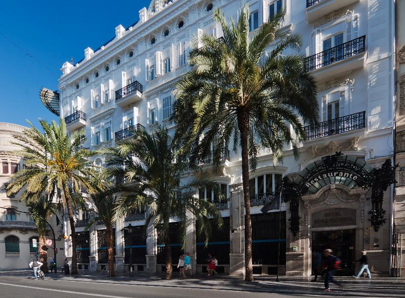 One Shot Palacio Reina Victoria 04 Hotel