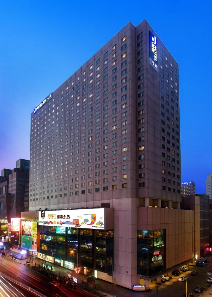 JEN Shenyang by Shangri La