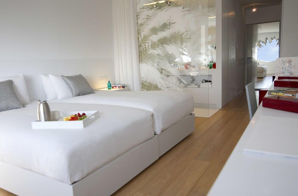 Gallery image of Renaissance Barcelona Fira Hotel