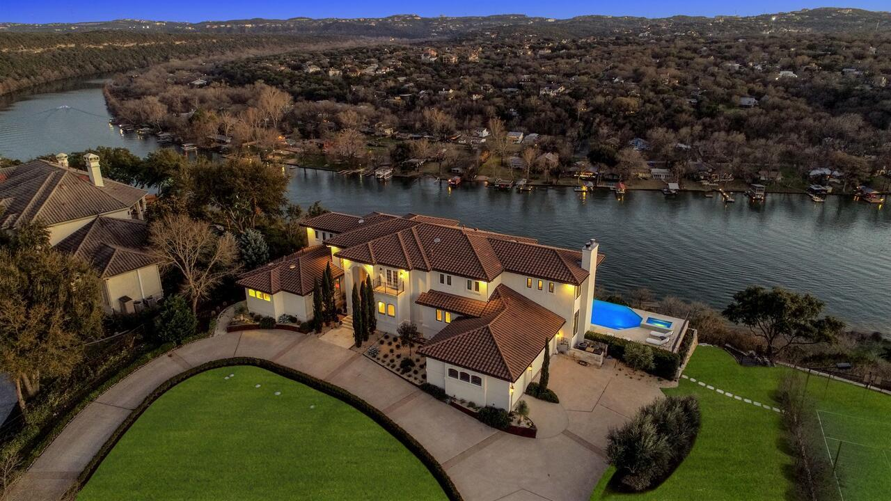 The Arrive Elevated Estate On Lake Austin Estate