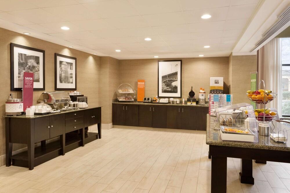 Gallery image of Hampton Inn & Suites Birmingham Airport Area