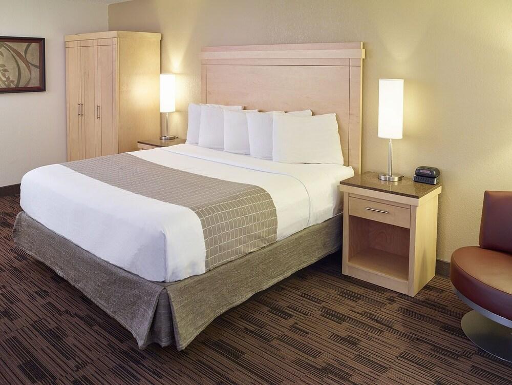Gallery image of LivINN Hotel Minneapolis South Burnsville