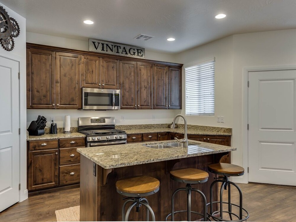 The Vintage 3 Bedroom Townhouse