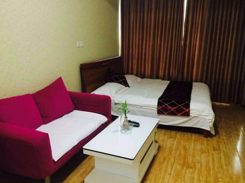Wanda Gold Dragon Holiday Apartment