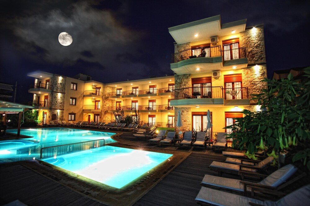Gallery image of Nereides Hotel