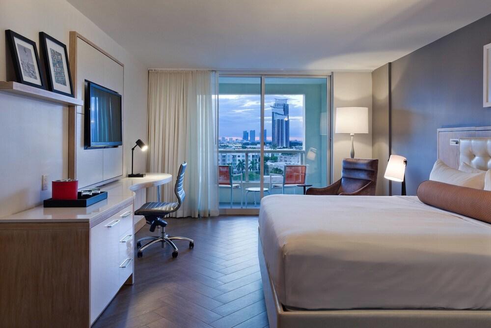 Gallery image of Marriott Stanton South Beach