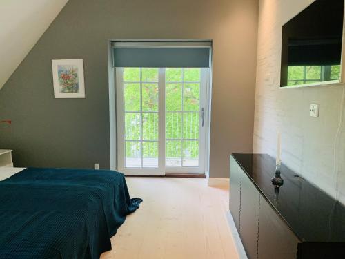 Adnana Modern Living Balcony Room