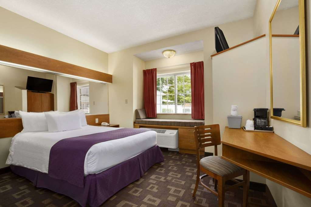 Microtel Inn & Suites By Wyndham Charlotte Northlake