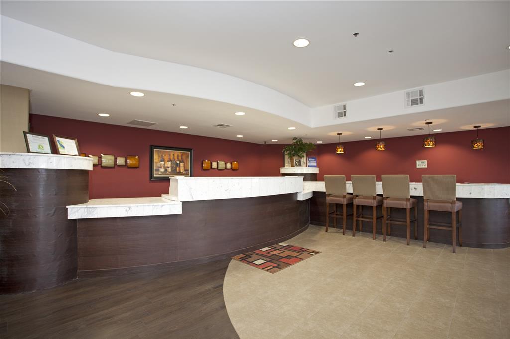 Gallery image of Best Western Plus Wine Country Inn & Suites
