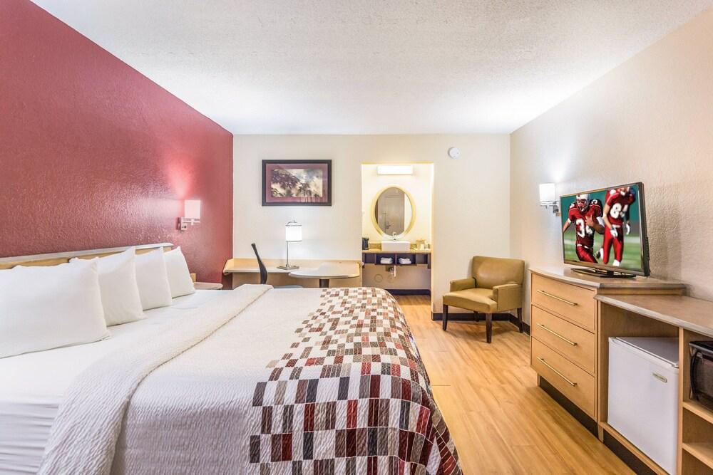 Gallery image of Red Roof Inn Williamsburg