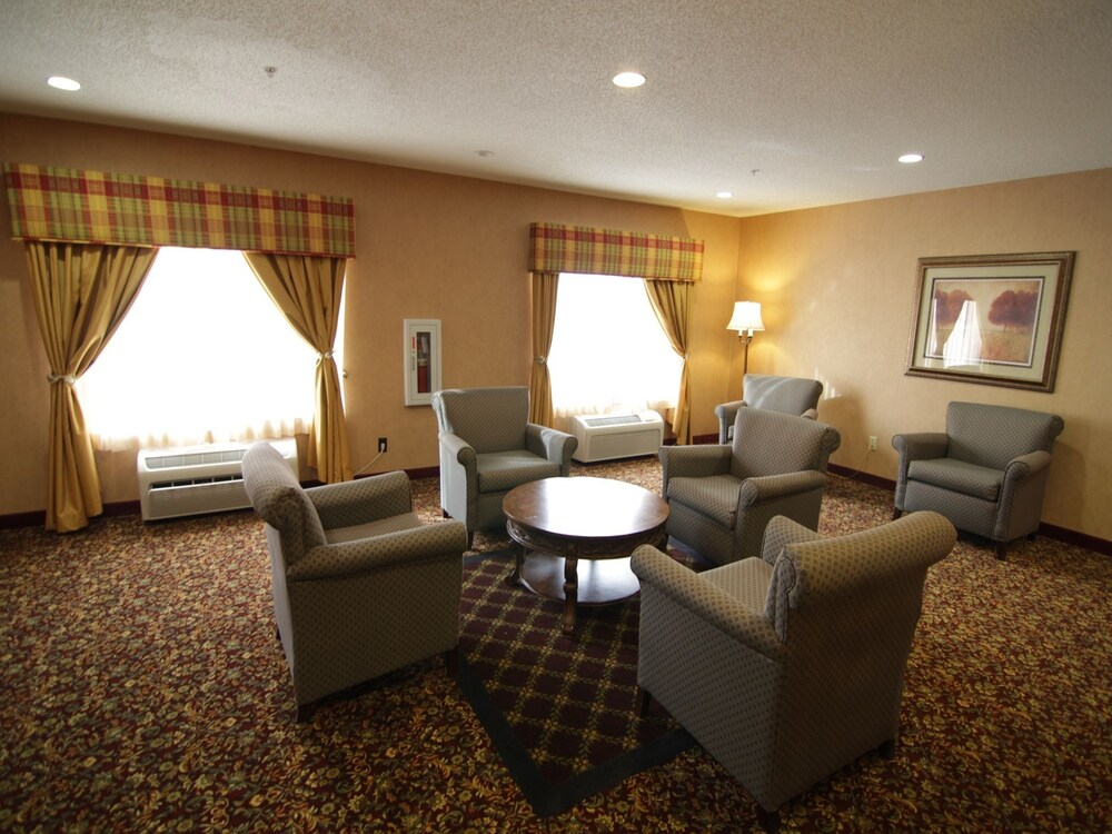 Gallery image of Town & Country Inn and Suites
