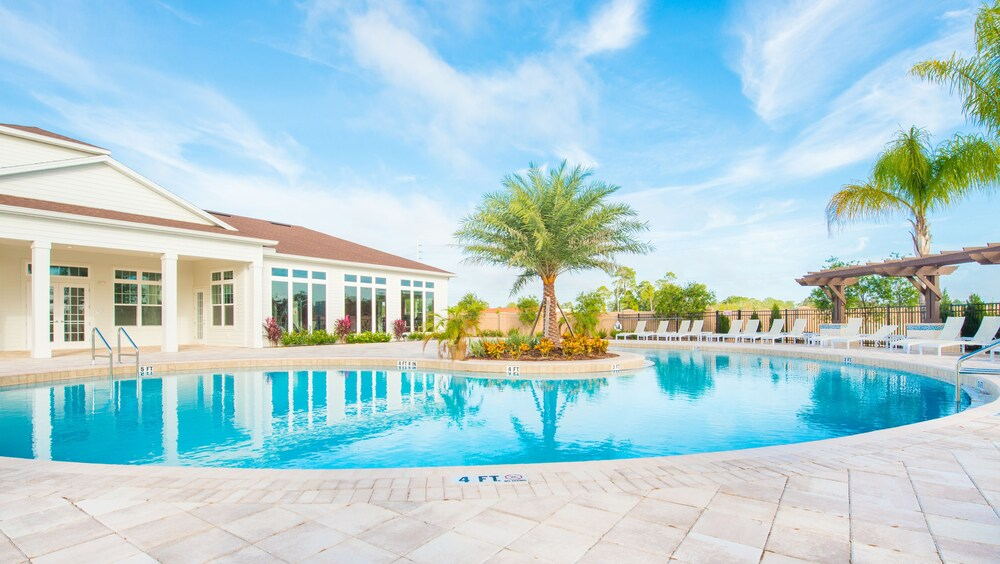 West Lucaya Resort By Funquest Vacation