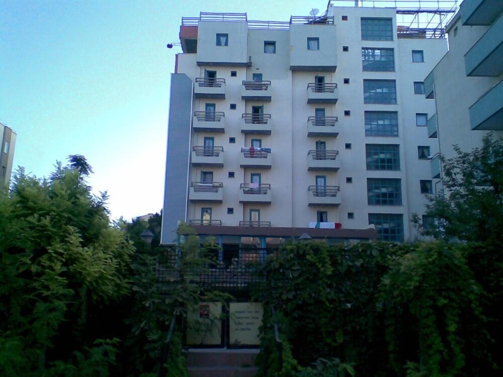 Gallery image of Uslan Hotel